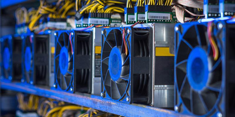 کشف ۱۲ دستگاه استخراج ارز دیجیتال در همدان